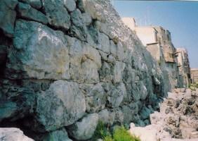 mura megalittiche