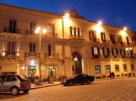 Palazzo orologio siracusa
