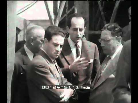 Tecnici del petrolio a Ragusa 1955